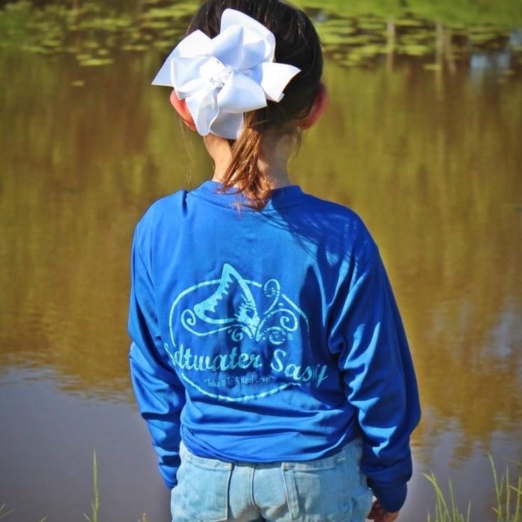 Pretty little girl wearing Original Crew LS-Youth
